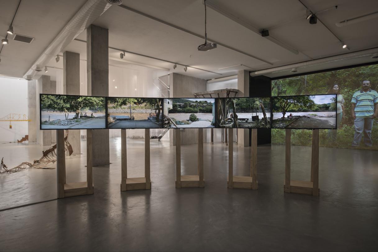 """Nicolás Consuegra, """"El agua que tocas es la última que ha pasado y la primera que viene"""", 2013."""